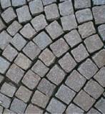 Kostka brukowa z kamienia naturalnego