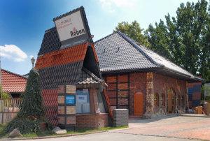 Budynek z cegły klinkierowej